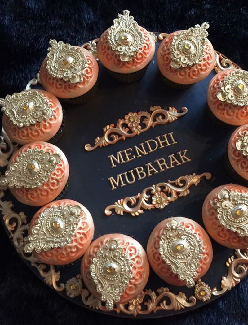 3. Henna Pattern Cupcakes For Your Wedding