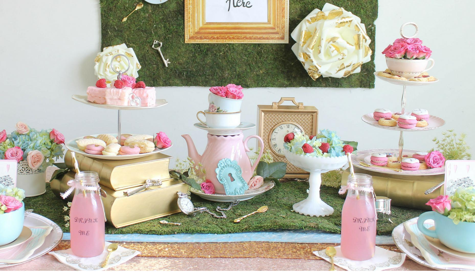 Alice in Wonderland wedding planning theme decoration