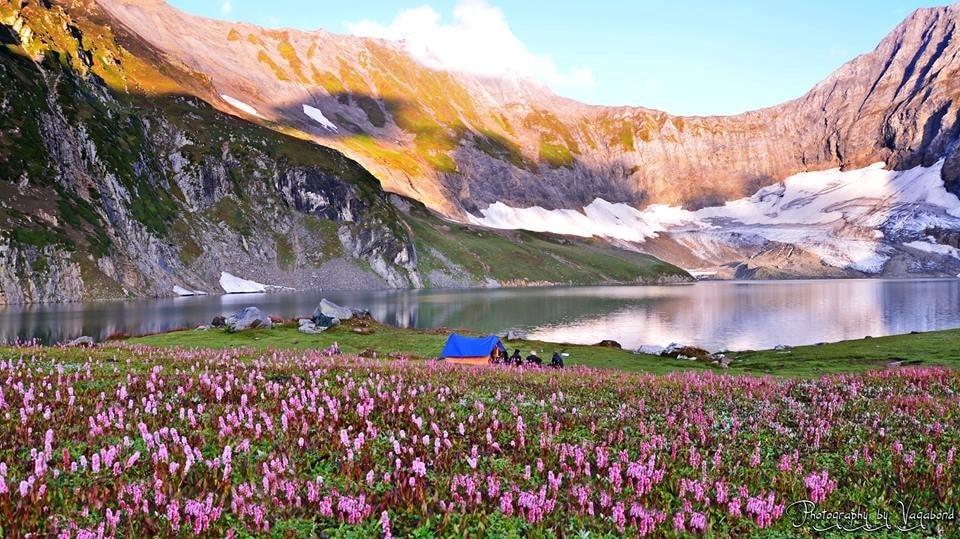 Kashmir: The Perfect Honeymoon Getaway