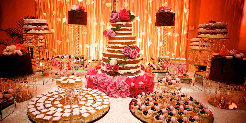 Some Lip-Smacking Dessert Table Inspirations
