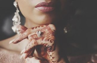Tips And Tricks For A Better Engagement Ring Selfie!