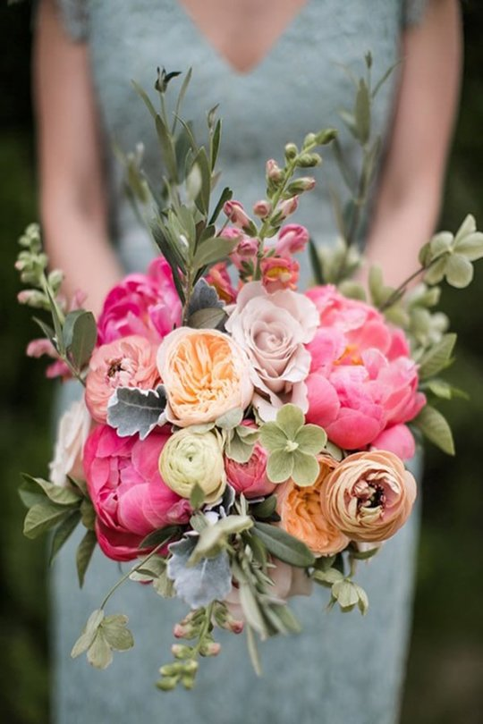 Colourful Flower Bouqet at your wedding