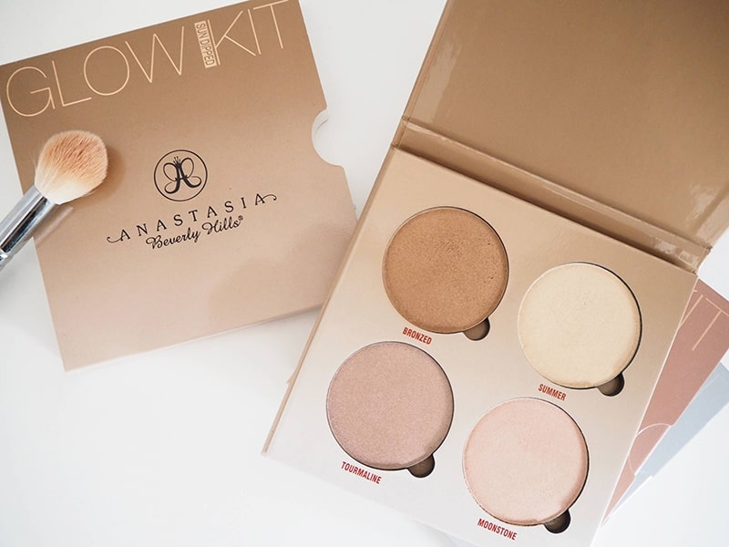 9.Anastasia Beverly Hills-Sun Dipped Glow Kit