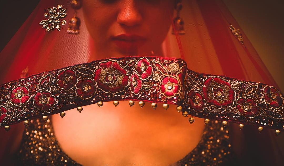 From Under the Dupatta Shots to Capture Your Vintage Reminiscent Bridal Look