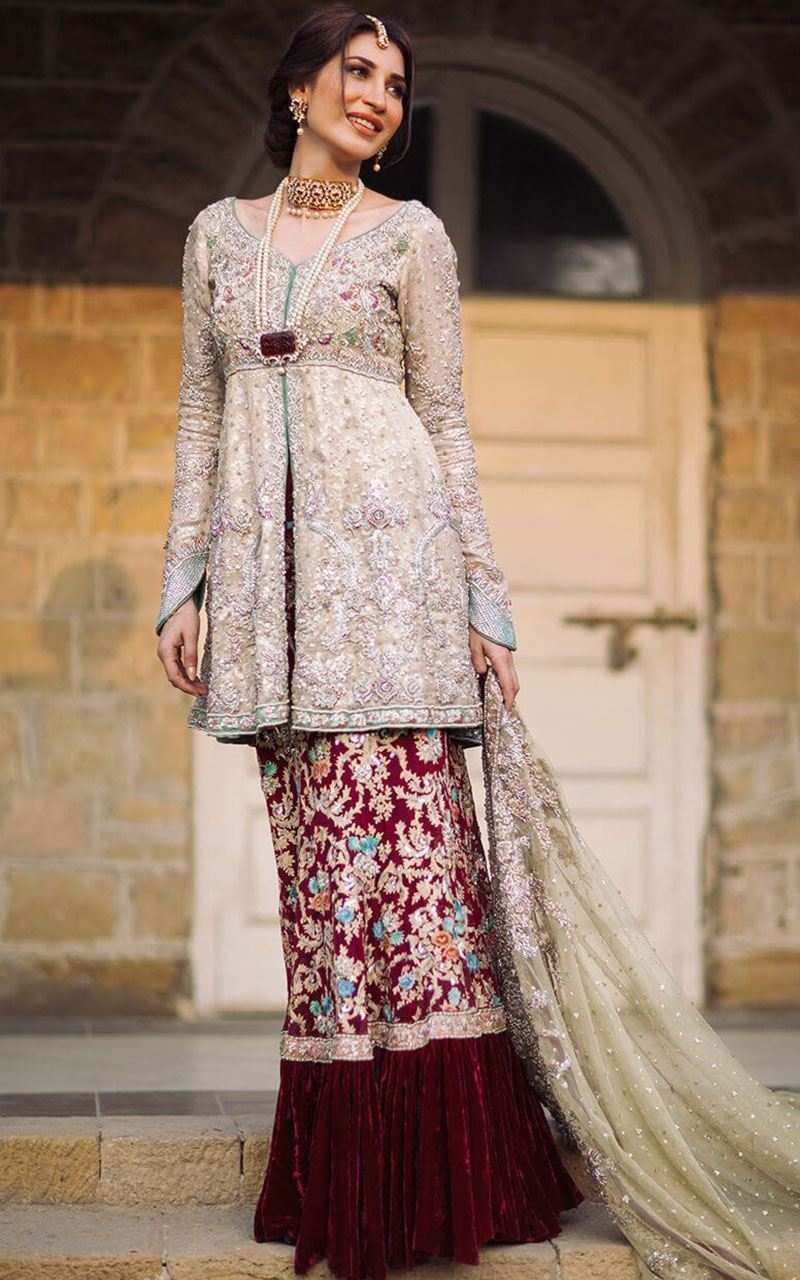 Lehenga and Blouse Designs for Bridals