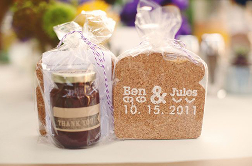 Gifts with wedding invites