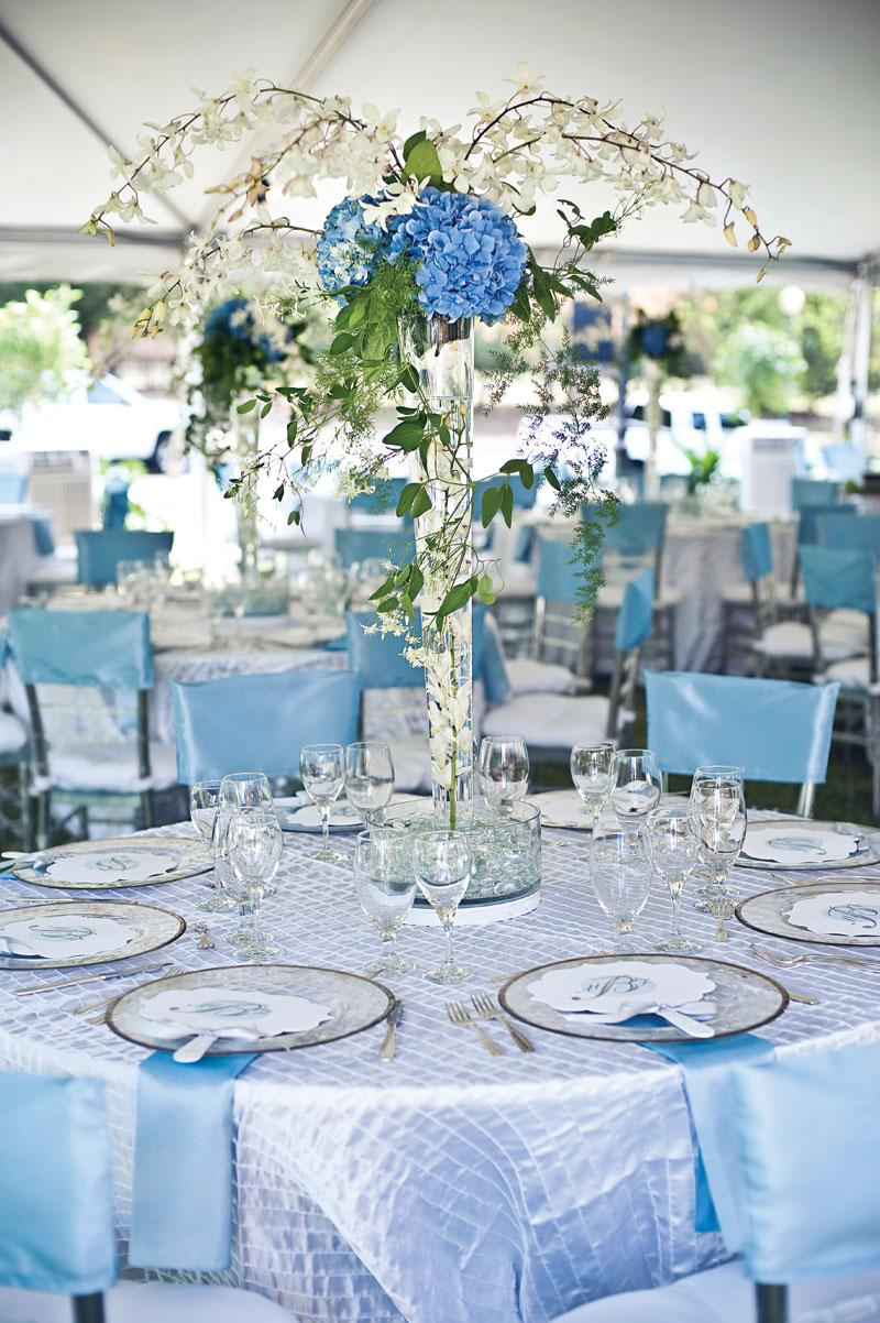 ICE Blue table decoration