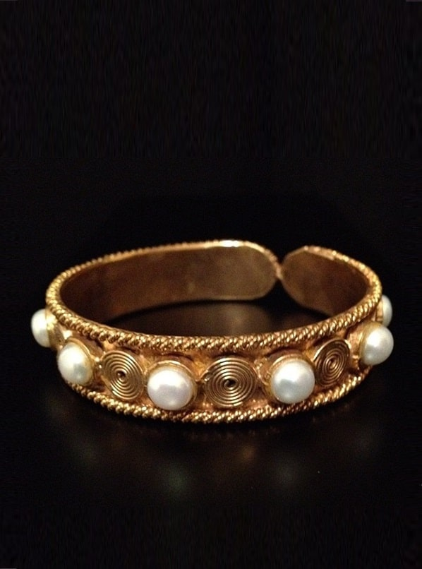 Pearl Bangles and Necklas by Samreen Vance