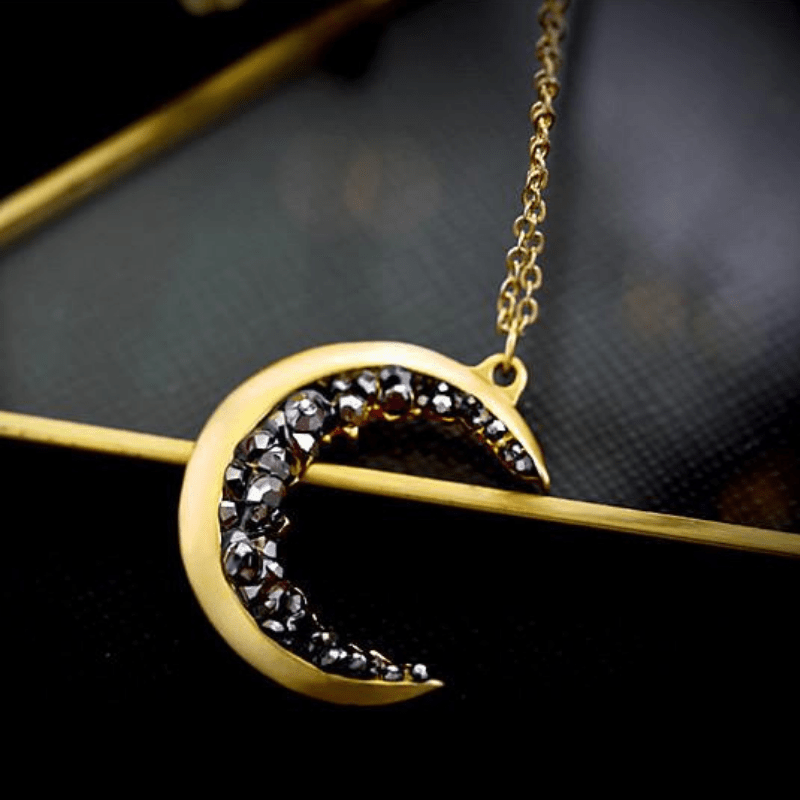 1.The Cresent Moon Pendant for the Moon of Your Life
