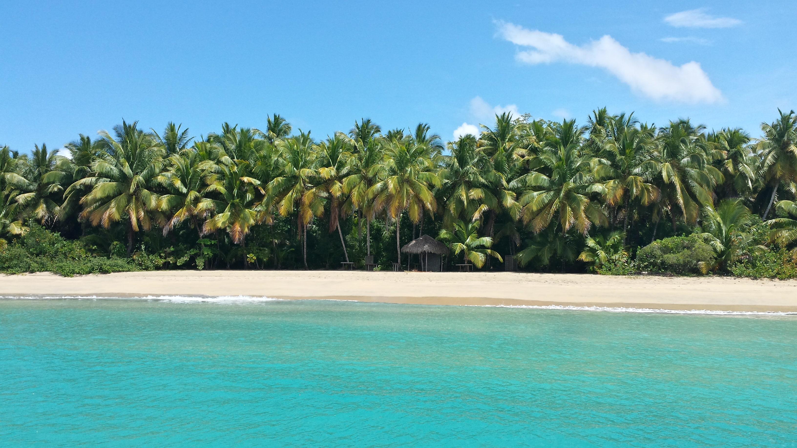 5.Playa Esmeralda