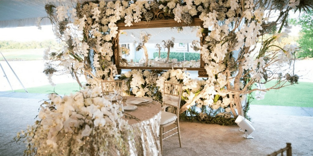 Save Money on the Wedding Décor with These Clever Tips