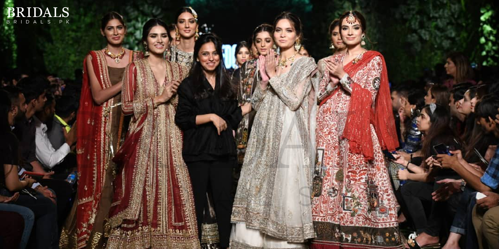 """#PLBW '19: Nida Azwer Wows Us With Her Heirloom Collection """"Anarkali"""""""